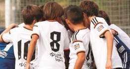 El Valencia aclara la llamada a la asistencia de su cantera al partido ante el Barça