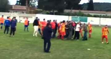 VIDEO: Agresión a árbitro que avergüenza al fútbol regional valenciano