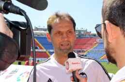 """Fernando Giner: """"Layhoon está muy sensibilizada con la labor de la Asociación de Futbolistas"""""""