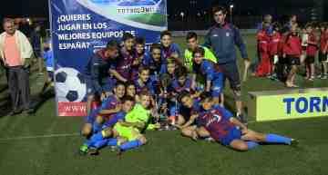 """El UD Alzira se hace con el Trofeo de Campeones """"Pepe Valls"""" en categoría Alevín"""