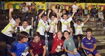 Los 'nanos' invaden Els Arcs: la nueva Grada Joven del COTIF