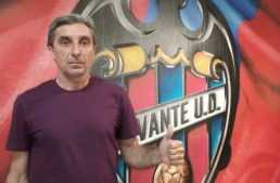 """José Villalta: """"Los niños tienen que disfrutar y divertirse con el fútbol"""""""