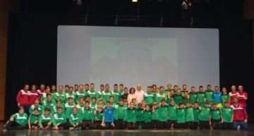 GALERÍA: El Auditorio de Paiporta se engalanó para la presentación del At. Ciudad Paiporta