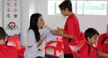 El CEU-UCH investiga con el CD Roda el perfil de rendimiento físico y psicológico en el fútbol base
