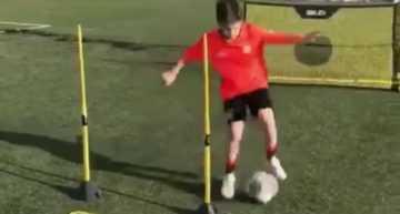 VIDEO Máquinas de precisión: así se entrena un chaval en la Academia del Bayern de Munich