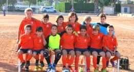 Alegría en el Vinalesa FB tras ganar el campeonato con su equipo Benjamín