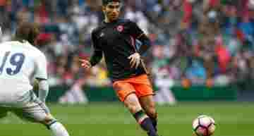 Futbol Emotion se 'cuela' un día en la vida del valencianista Carlos Soler