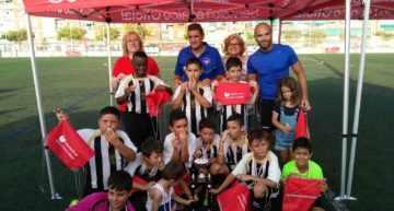 GALERÍA: Dos torneos y un partido de 'viejas glorias' cerraron el 50º Aniversario del CF Malvarrosa