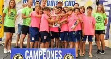 El Caxton College Benjamín remata el verano con triunfo en el Marina Baixa Cup