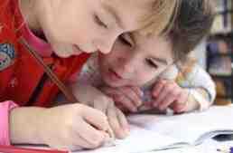 'Deberes' para que los niños permanezcan activos y despiertos este verano