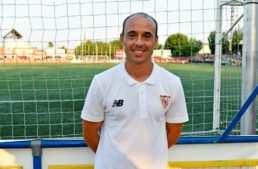 "Dimas Carrasco (entrenador Sevilla FC Juvenil): ""Somos un equipo en fase de construcción"""