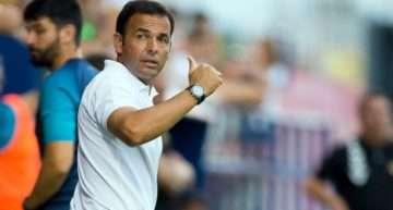 Javi Calleja da el salto de los banquillos de la cantera al primer equipo en Villarreal
