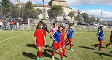 El CD Malilla elevó el listón en la Pinares Cup y se hizo con el subcampeonato