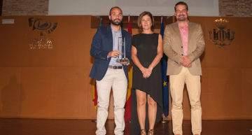 El Valencia CF recogió uno de los premios al 'Mèrit Esportiu Ciutat de València 2016'