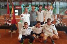 El Club de Tenis Valencia, campeón de España junior por equipos tras ganar al Stadium Casablanca