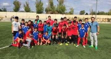 GALERÍA: Fotos del CF Agullent con rivales y árbitros para fomentar el 'fair-play'