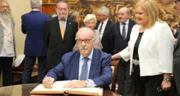 Del Bosque recibió en el Ateneo de Valencia el Premio Tolerancia 2017