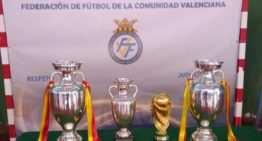 Los trofeos de la Selección brillaron en su visita a Vilafamés