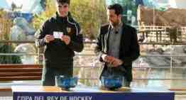 Carlos Soler y Maitane López, 'manos inocentes' en el sorteo de Copa del Rey y de la Reina de hockey en Valencia