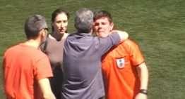 Intrahistoria: el árbitro de 20 años que se marchó llorando del campo por los insultos de los aficionados