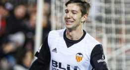 El Valencia se coló en cuartos de Copa del Rey con brillantez (4-0)