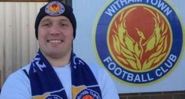 Más moral que el Witham: James Beardwell, el aficionado que se pasa animando todo el partido… ¡en solitario!