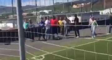 VÍDEO: Padres irrumpen en el campo para insultar al árbitro en un partido de Alevines en Tenerife