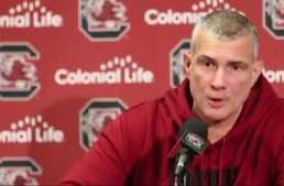 VÍDEO: Entrenador de baloncesto da una lección a los padres que 'rajan' de árbitros o entrenadores de su hijo