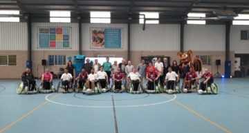 El fútbol en silla de ruedas A-ball se dio a conocer en Valencia con un espectacular 'derbi'