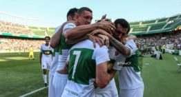 El Elche, a sólo un paso de la Segunda División tras doblegar al Villarreal B (2-0)