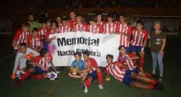 GALERÍA: El Atleti triunfó en el Memorial Nacho Barberà y dedicó su victoria al 'Cholito'