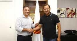 Salva Gomar explica al presidente del Valencia CF su proyecto para la FFCV