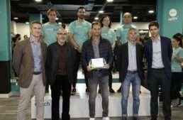 Homenaje a la Asociación de Futbolistas del Valencia CF por su labor social y deportiva