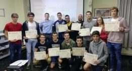 Prometedora juventud: el CTA entrega sus diplomas a los nuevos árbitros de fútbol sala en Valencia
