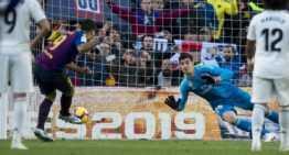 Cambios, manos y penaltis: tres posibles modificaciones que la International Board quiere aplicar al fútbol
