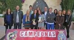 Eva Navarro y Aixa Salvador fueron homenajeadas por la FFCV tras ganar el Mundial Sub-17
