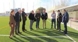 El campo de fútbol del Biensa ya presume de 'tapete' nuevo en el Puerto de Sagunto