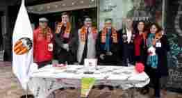 El Valencia CF, su Fundació y Cruz Roja, juntos por la infancia y juventud