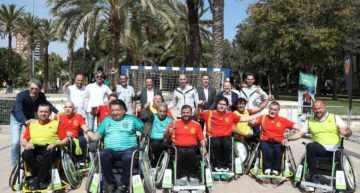 La Escuela de A-ball del Valencia CF apoyó a la Selección Española antes de su partido contra Noruega