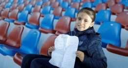 Una niña del Levante escribe a Panini para que haga un álbum de cromos de futfem