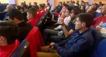 La Jornada del Comité de Entrenadores 'lo petó' con gran éxito de asistencia en Burriana