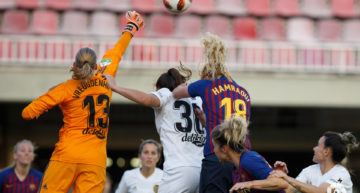 La resistencia del VCF Femenino no tuvo premio ante el Barça (3-0)