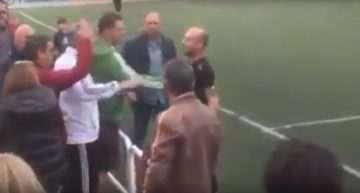 VIDEO: Árbitro pierde los nervios con un aficionado que le insultaba en un partido de Alevines: '¡Te lo juro que te reviento!'