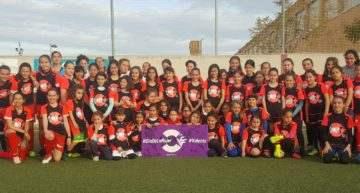 50 niñas vibraron en Alcàsser con el Clinic gratuito de Futbol Femenino de la Setmana Valenta