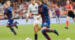 El Valencia sucumbe en Mestalla ante un Levante muy superior (1-3)