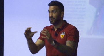 Formación para entrenadores en El Pilar: 'Controla tus emociones o te controlarán a ti'