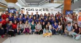 Inaugurada la exposición 'Elles Som Tots' en homenaje a los 10 años del VCF Femenino
