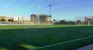Cuenta atrás para la inauguración: CD Malilla ya presume de césped 'galáctico' en su nuevo campo de fútbol-11
