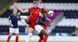 La prórroga pasó factura a España en el Europeo Sub-19 Femenino y cayó en semis ante Francia (1-3)