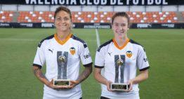 Sandra Hernández y Bea Beltran lucen sus premios Futbol Draft Oro 2018-2019